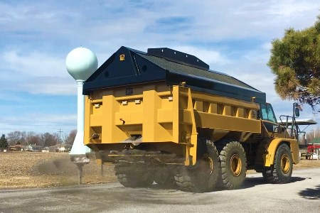 Philippi-Hagenbuch introduces material spreader