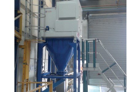 Cleaning shot blasting cabins