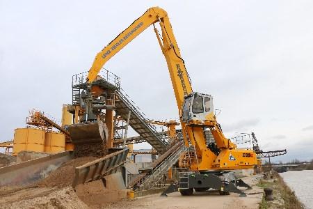 LZR concrete plant reliant on SENNEBOGEN handler