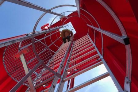EBS expands crane fleet
