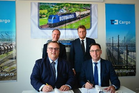 CD Cargo and Bombardier Transportation sign locomotive contract