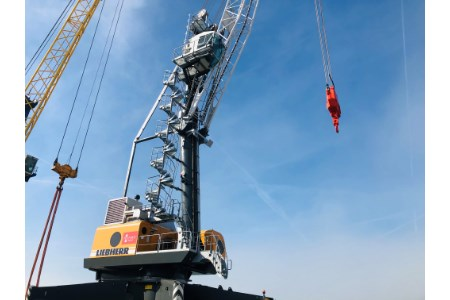 Port of Great Yarmouth invests in state-of-the-art Liebherr crane