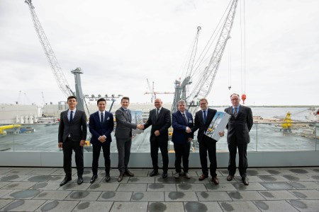 Port Esbjerg expands crane capacity with new LHM 800