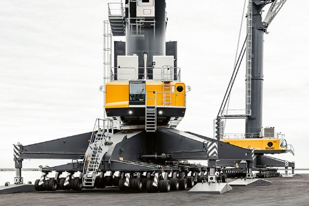 Liebherr presents new elevator for mobile harbour cranes at TOC Europe