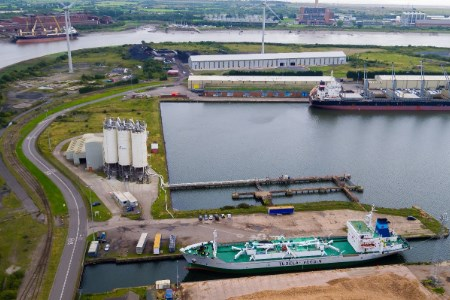 Port of Newport and CEMEX renew agreement